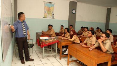 SMK Pariwisata Krisanti10